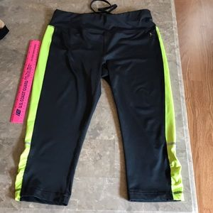 Danskin gray Capri pants fitted